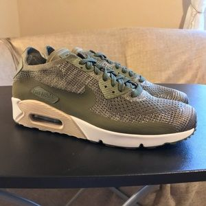 NEW Nike Air Max 90 Ultra 2.0 Flyknit Olive